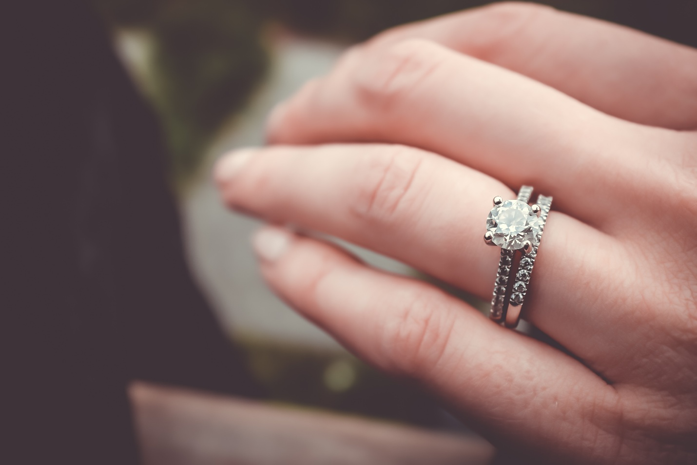 A Definitive Guide on How to Choose the Perfect Engagement Ring